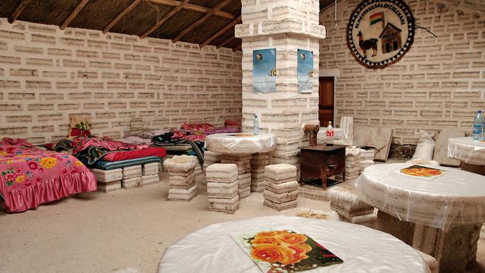 Hôtel insolite : hôtel de sel dans le désert