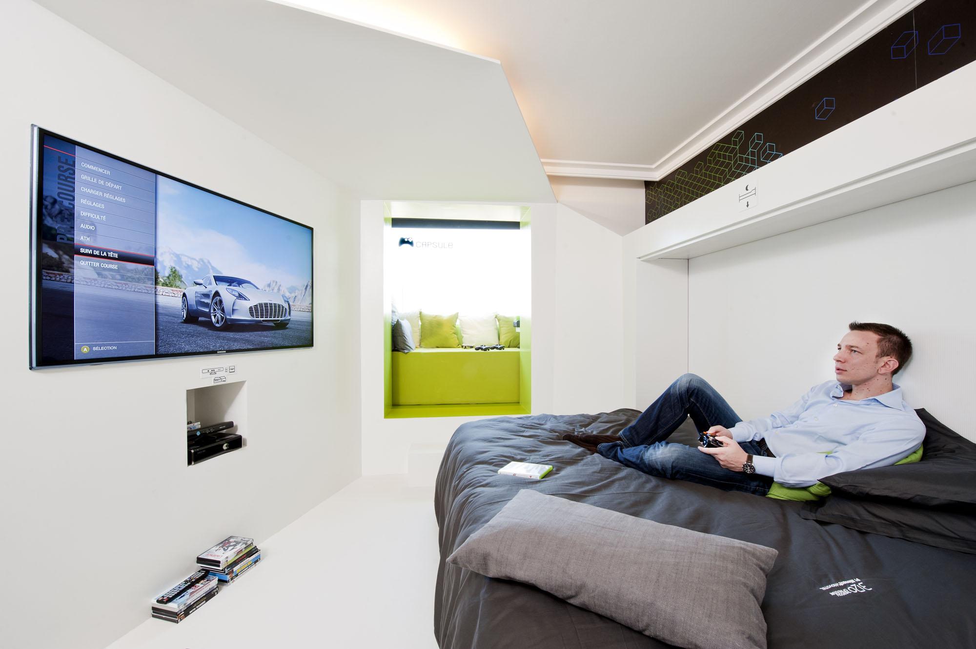 la chambre geek du futur par novotel accor et microsoft voyage insolite. Black Bedroom Furniture Sets. Home Design Ideas