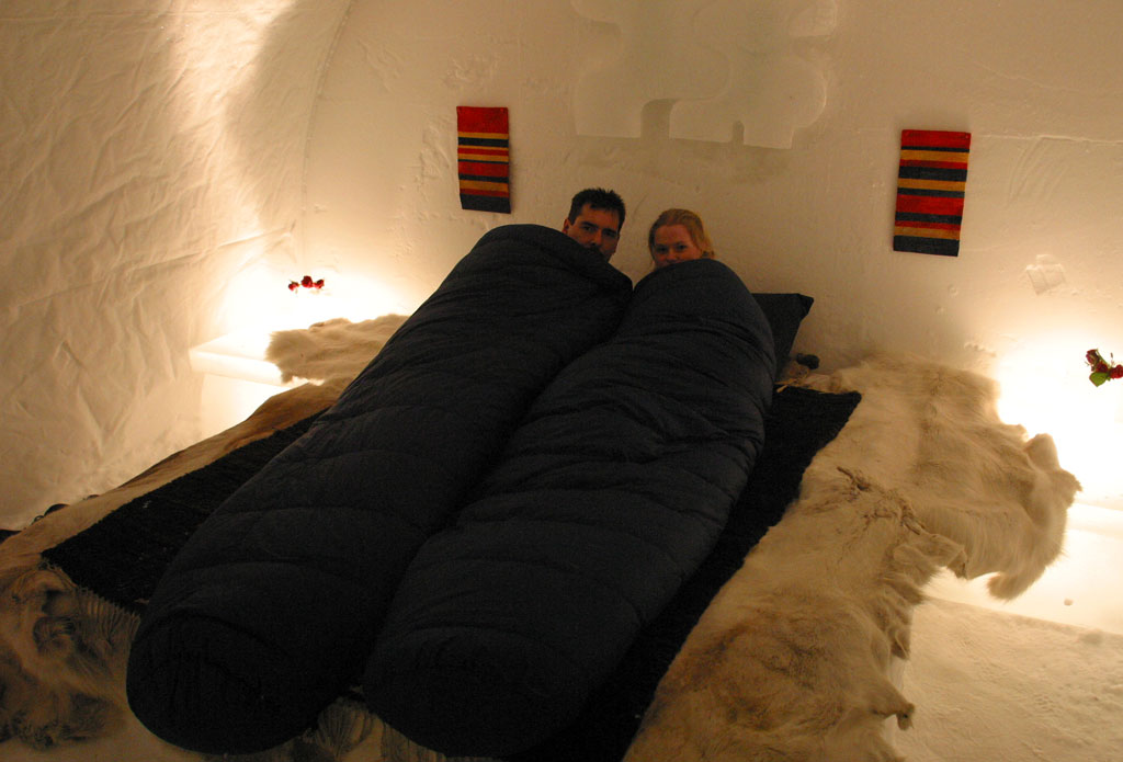 dormir dans un hotel igloo en laponie en finlande voyage insolite. Black Bedroom Furniture Sets. Home Design Ideas