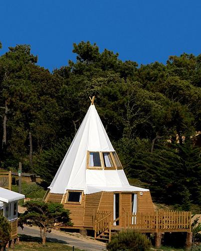 Les tipis du camping du midi de noirmoutier d couvrir voyage insolite - Camping noirmoutier tipi ...