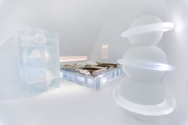 le plus grand h tel de glace du monde su de voyage insolite. Black Bedroom Furniture Sets. Home Design Ideas