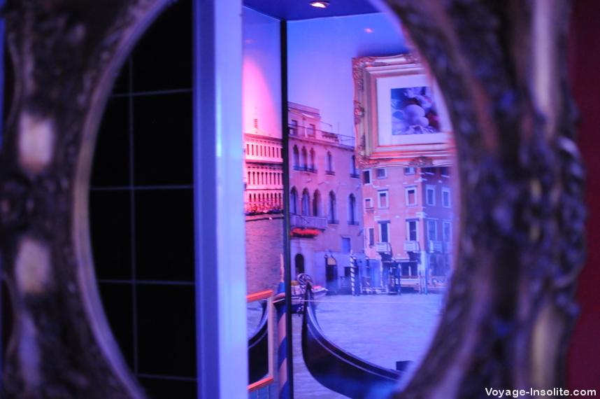 Love Hotel Paris Venise