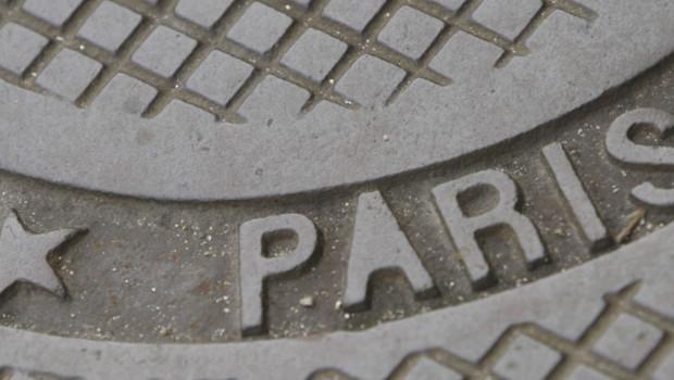 plaque-egout-paris