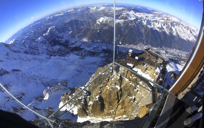 Pas-vide-Chamonix-Cabine-Verre-Suspendue-Aiguille-Midi-Mont-Blanc4