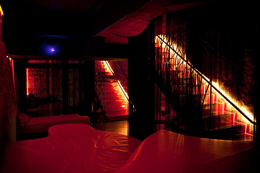 we_club_escalier