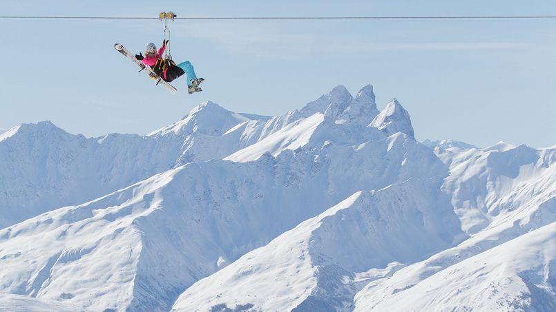 Val Thorens accueille la plus haute tyrolienne du monde