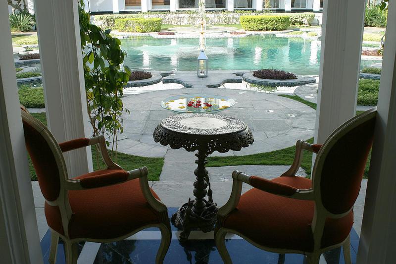 lotus-pond-in-the-taj-lake-palace-