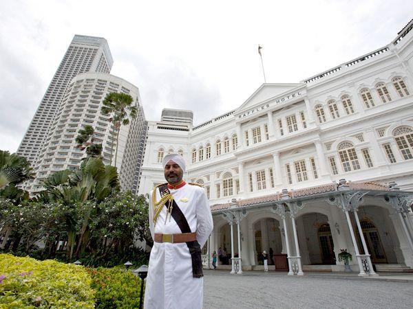 raffles-hotel-singapour-sikh-garde