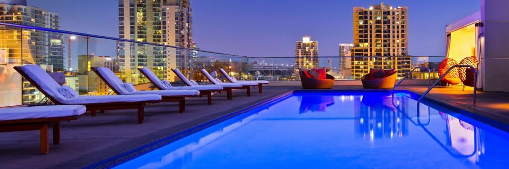 1280x427xAndaz-San-Diego-Rooftop-Pool.jpg.pagespeed.ic.99BikZcae9