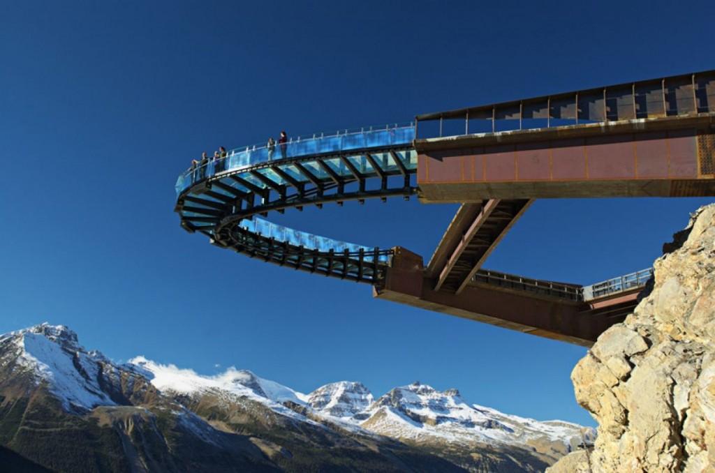 L'incroyable skywalk des Montagnes Rocheuses au Canada