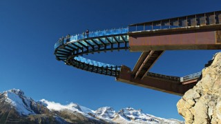 135_Enjoy-The-View-Of-Jasper-National-Park-On-The-Glacier-Skywalk_0-f