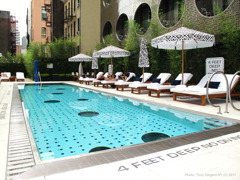 Dream-Hotel-NYC-Tony-Sargent-pool_8901copyright-Tony-Sargent-web