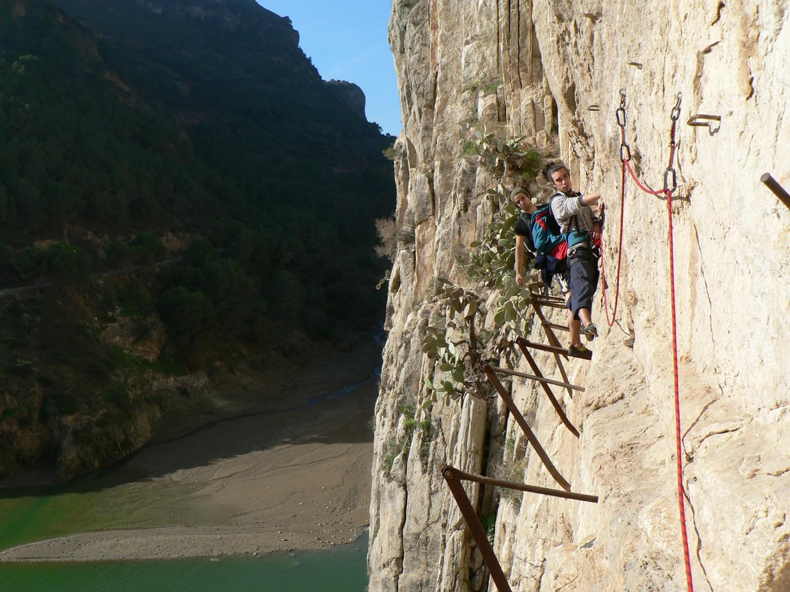 Le chemin des falaises d'El Chorro, le plus dangereux du monde ?
