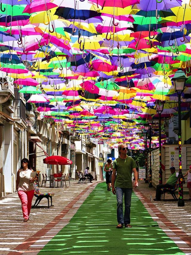 ciel_de_parapluies_portugal4