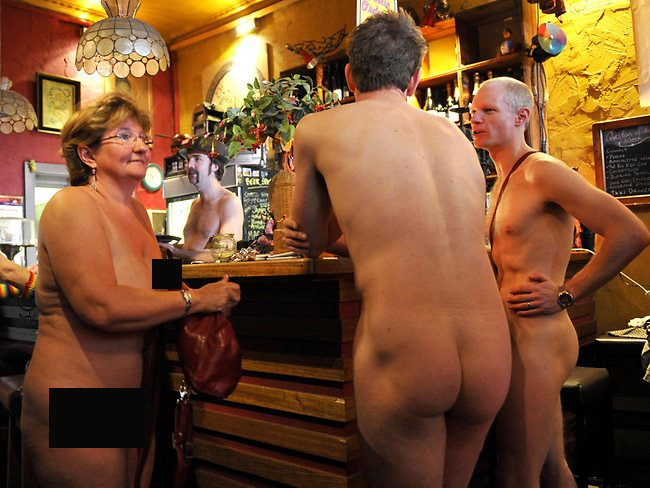 restaurant_nudiste_2