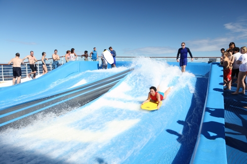 simulateur_vagues_surf_oasis_of_the_seas