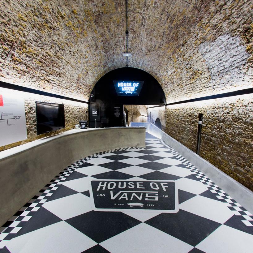 Un skatepark dans un tunnel souterrain à Londres