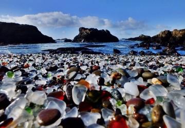 plages_insolites_glassbeach