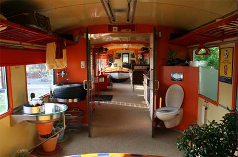 Top des wagons de train recyclés maisons hôtels bureaux