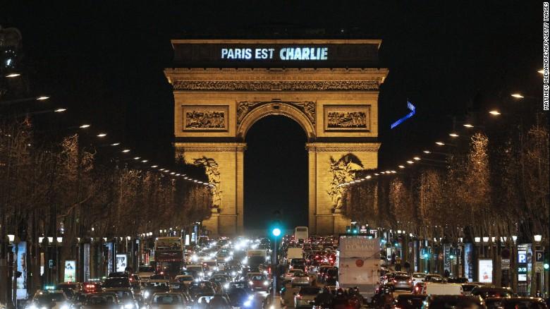 150109150426-paris-est-charlie---arc-de-triomphe-exlarge-169