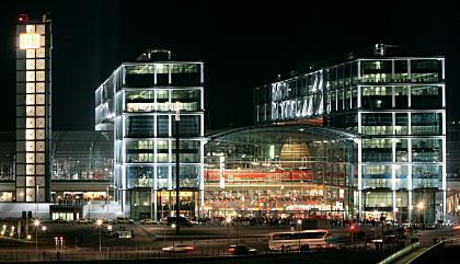 Bundestag berät über Hauptbahnhof-Dach in Berlin