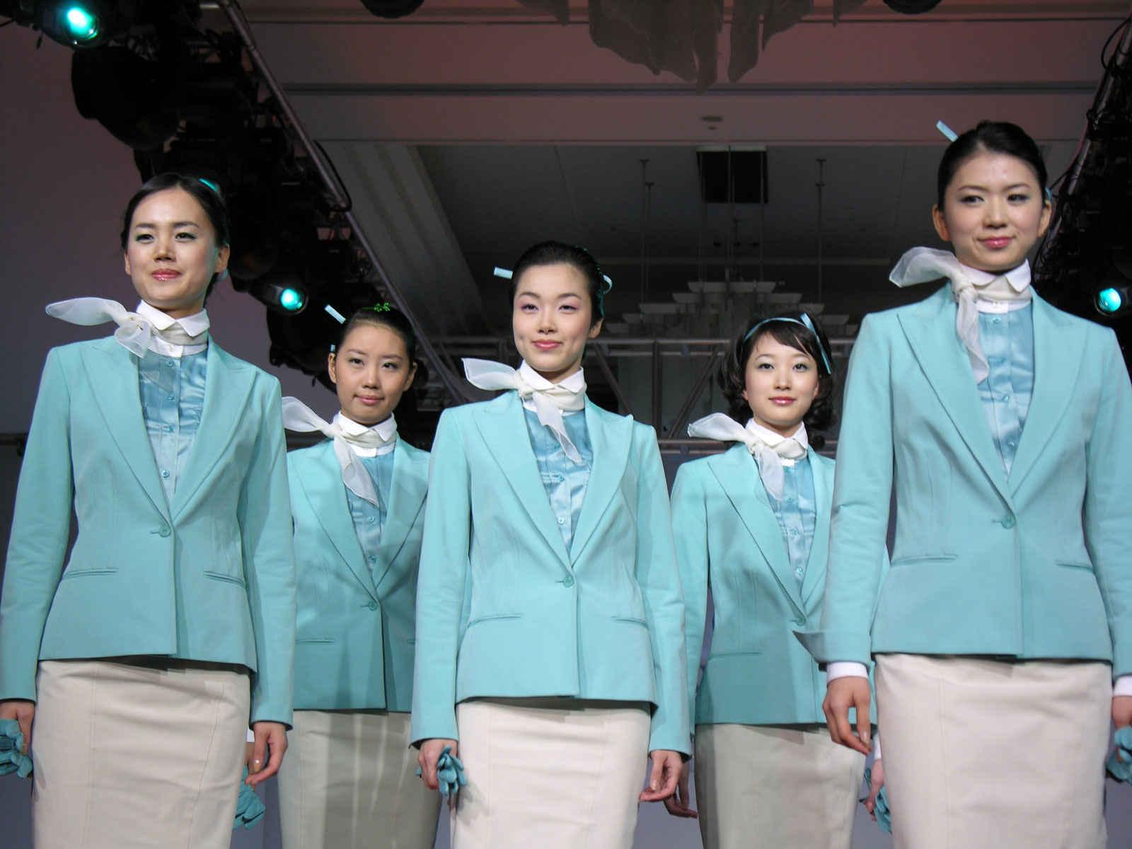 hôtesse_de_lair_uniformes (4)
