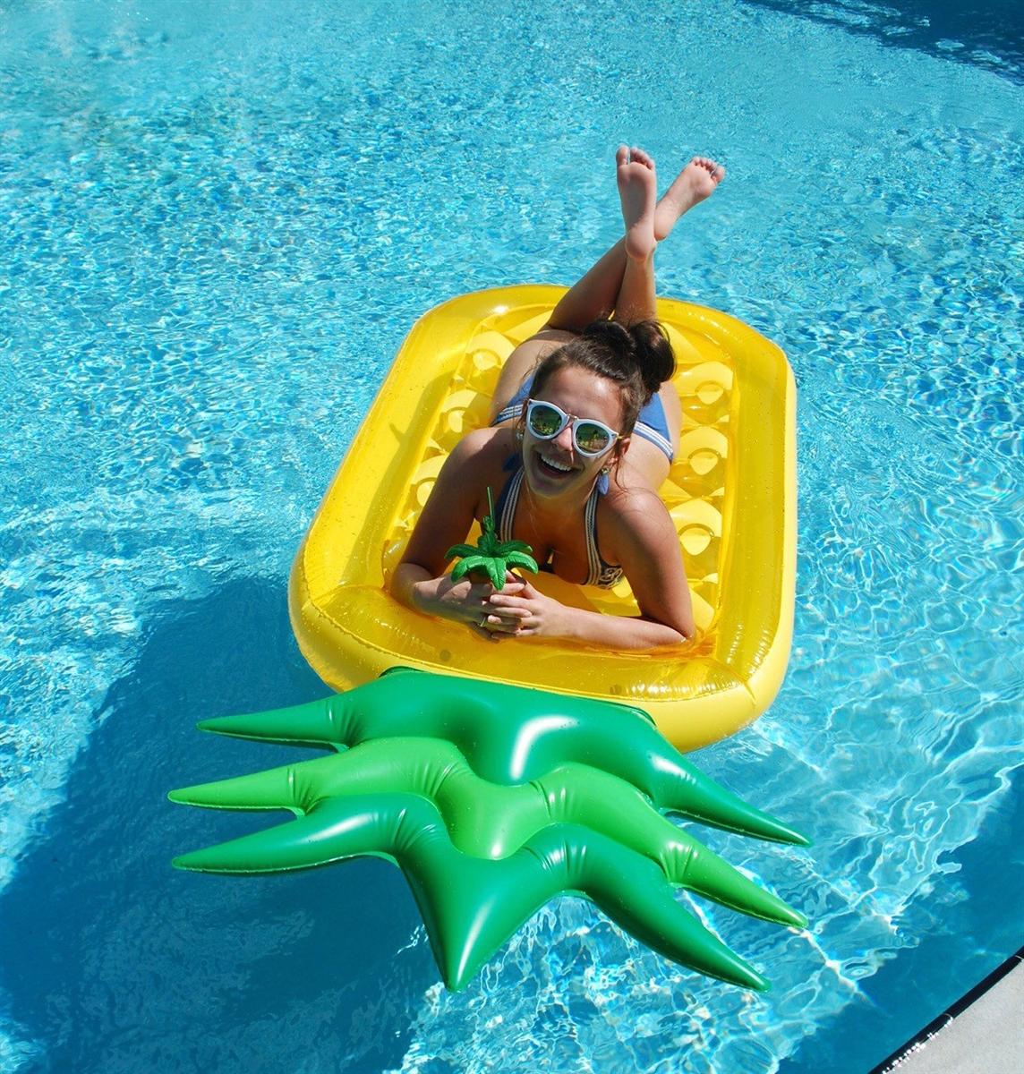 10 bou es gonflables insolites pour un ap ro piscine l for Piscine qui fuit