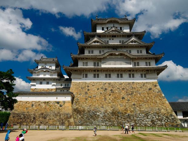 james-bond-chateau-himeji-japon