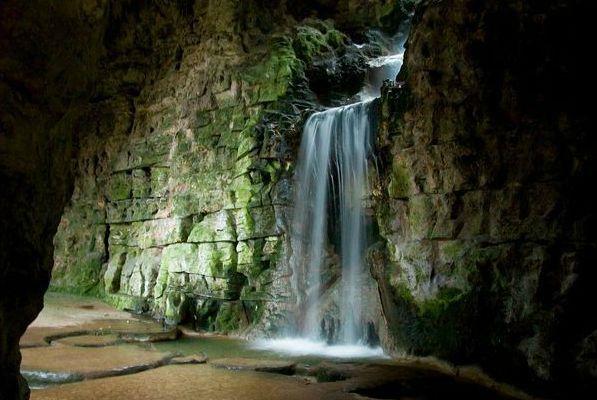 cascade-buttes-chaumont