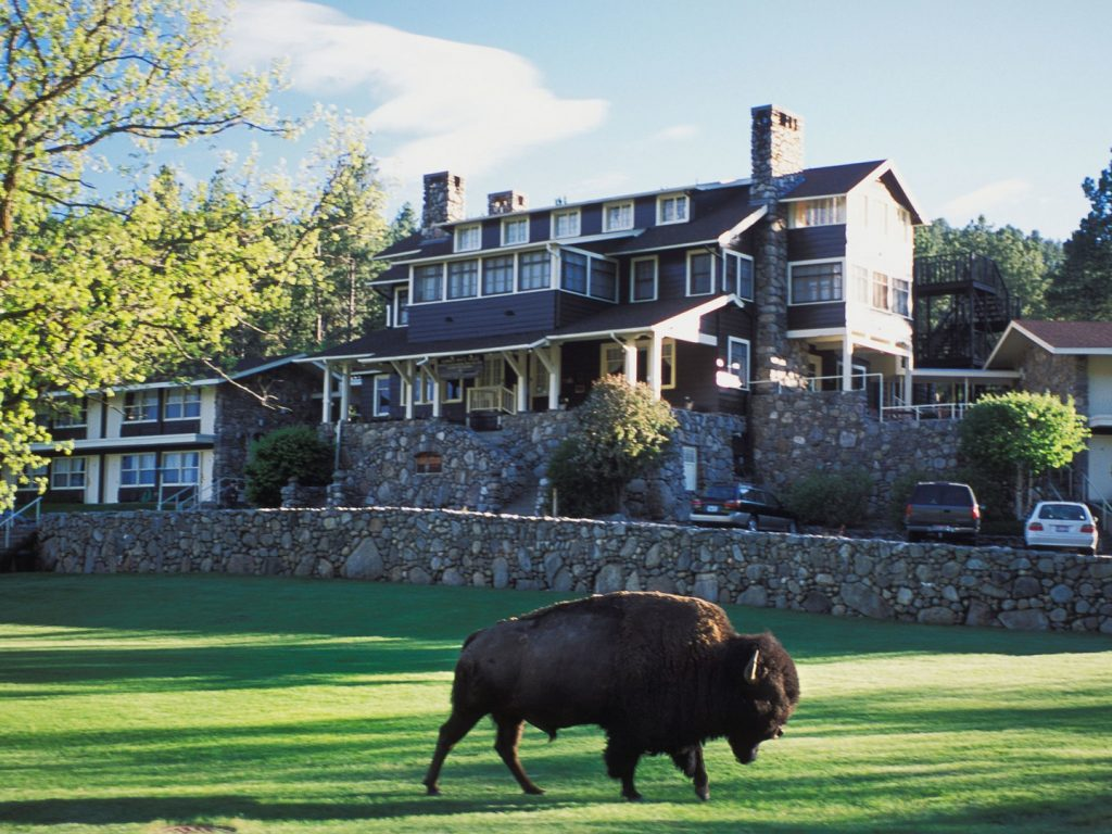 state-game-lodge-custer-state-park-south-dakota