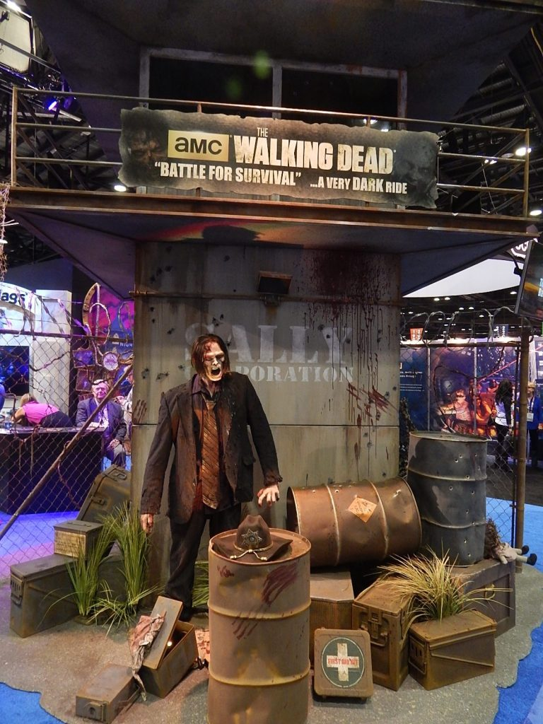 Une visite en vidéo de l'attraction Walking Dead !