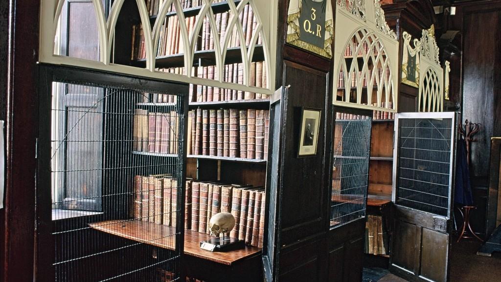 dublin_marsh-s-library_2b12_6b81-1024x576