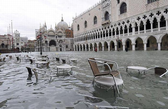 Venise coule !