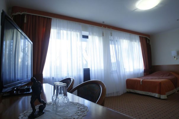 Shakhtar donetsk kirsha chambre voyage insolite for Chambre insolite