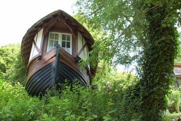 La Caloge à Etretat : un hébergement insolite créé dans un ancien bateau de pêche normand