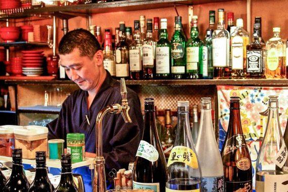 bar insolite Tokyo bouddhiste
