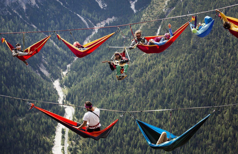 Hamac dans les alpes italiennes camping dangereux
