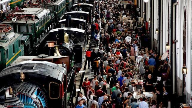 Un marché dans une gare à Madrid