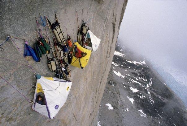 camping à flanc de montagne