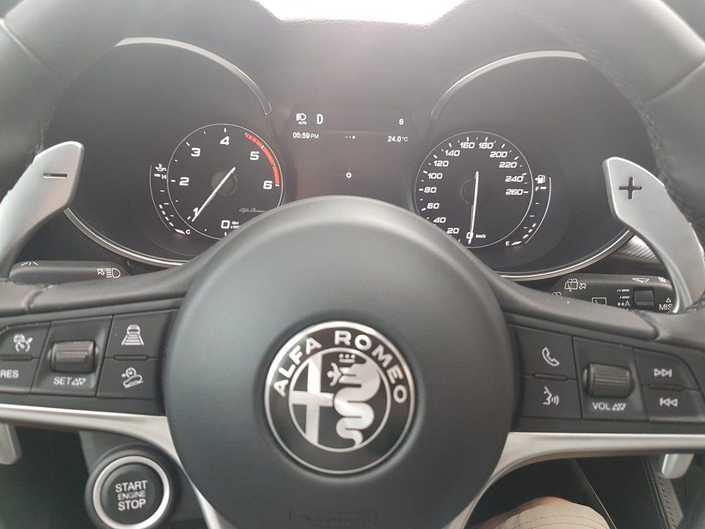 volant du SUV Alfa Romeo Stelvio