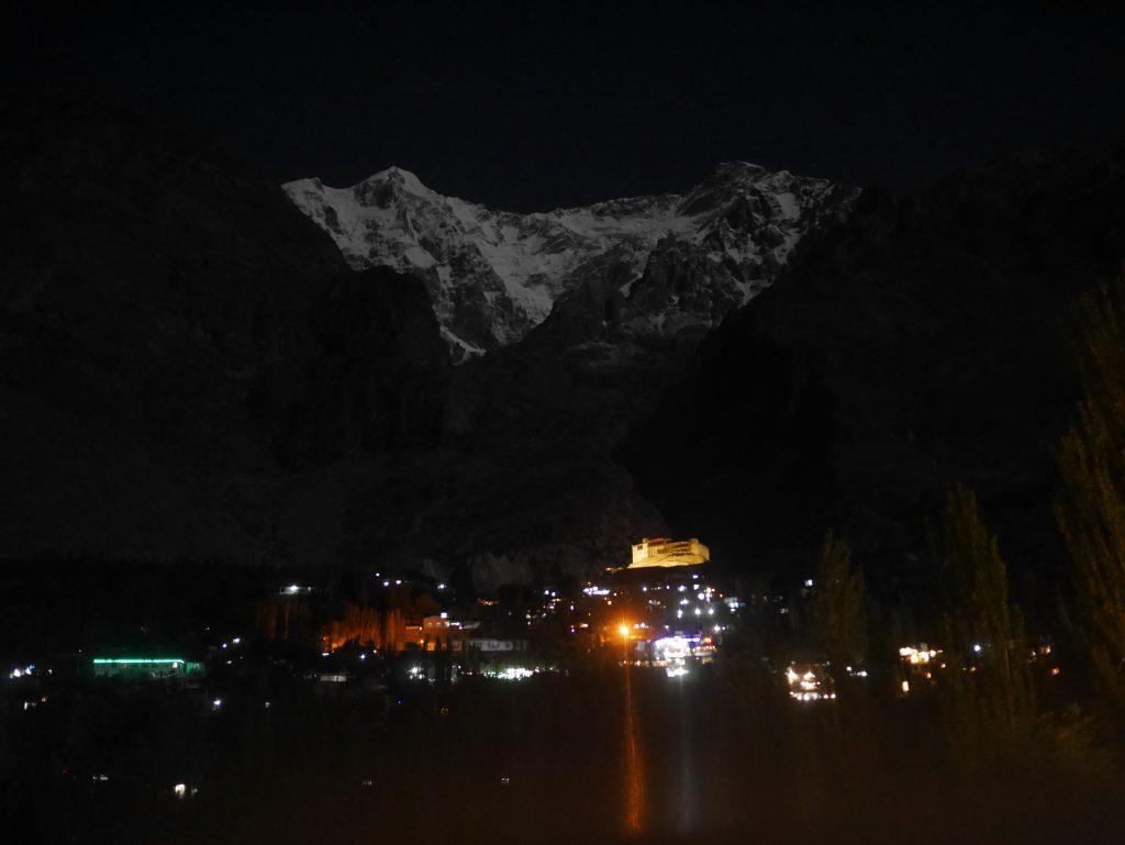karimabad de nuit
