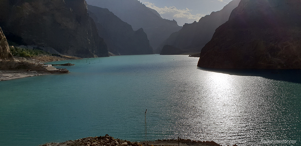 lac Attabad au Pakistan