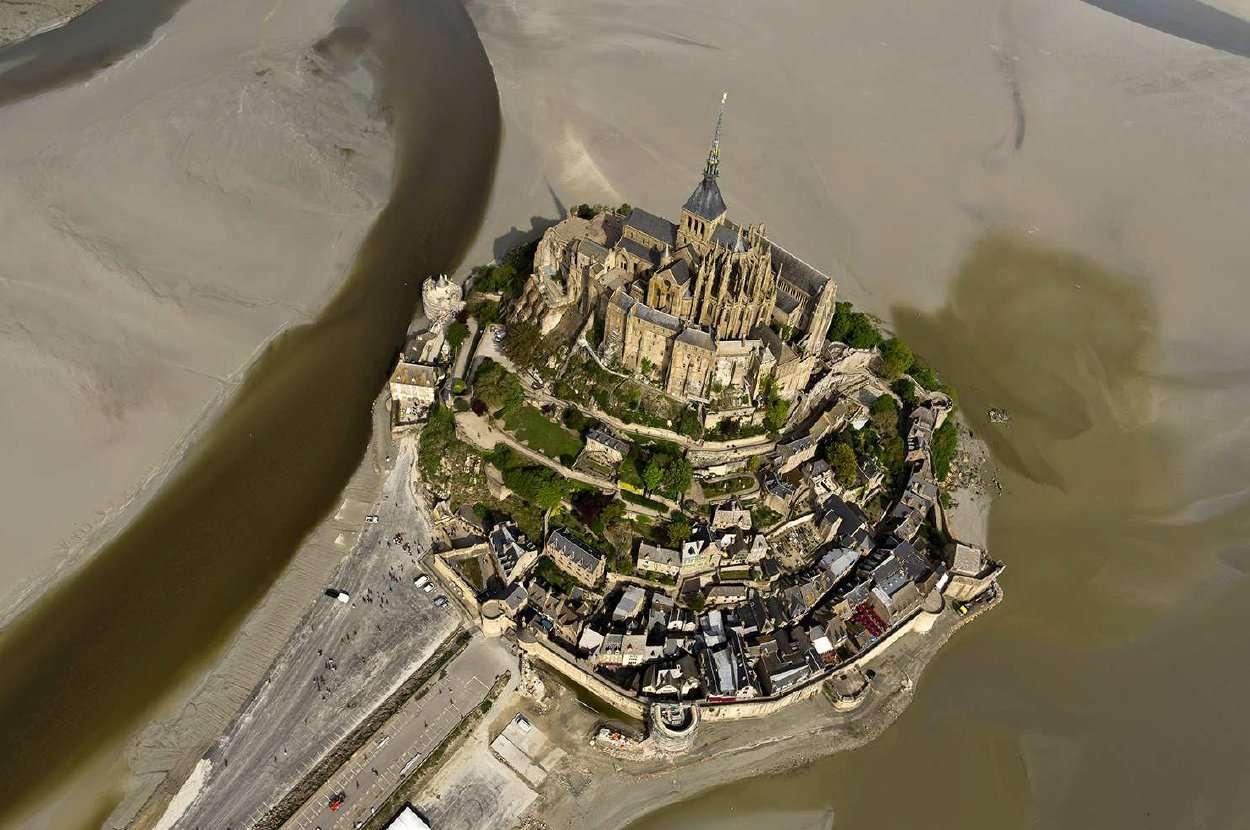 Mont Saint Michel vu du ciel
