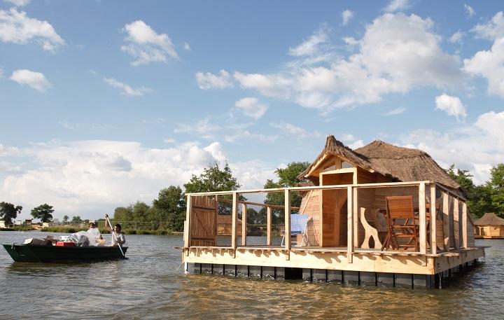 Une cabane du village flottant de Pressac dans la Vienne