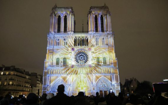 Notre-Dame de Paris illumination