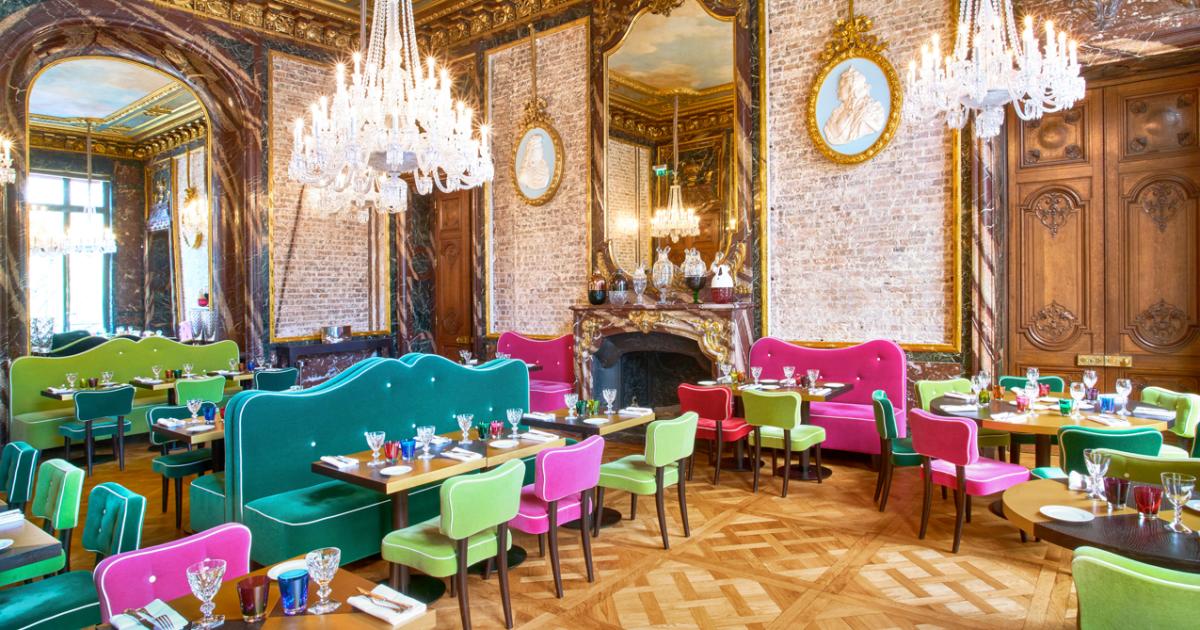 Cristal Room Baccarat, un restaurant au style baroque  façon Parisienne