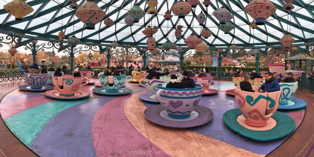 Le manège à Fantaysiland dans le parc Disneyland Paris