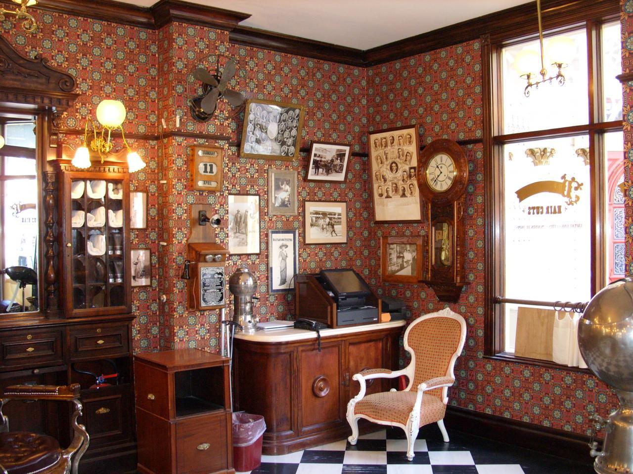 Un intérieur style rétro au Dapper Dan's Hair Cuts