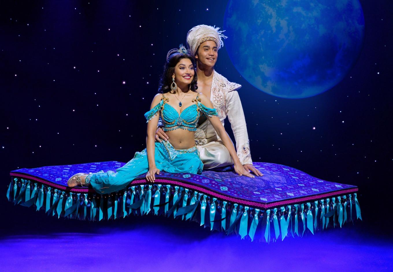 Aladdin et la princesse Jasmine sur scène
