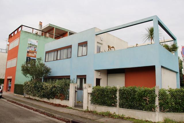 Le lotissement très coloré de Pessac réalisé par Le Corbusier
